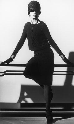 petite robe noire Chanel jersey laine