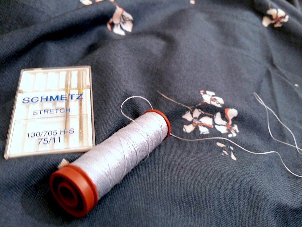 astuces couture jersey 100% coton tutoriel problème couture jersey trou déchiré