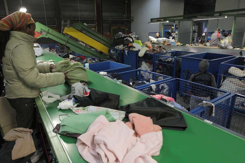 vêtement recyclage seconde main fast fashion durable collecte vêtement