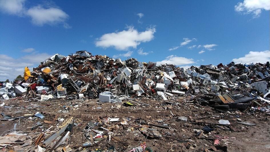 vêtement recyclage seconde main fast fashion durable collecte vêtement