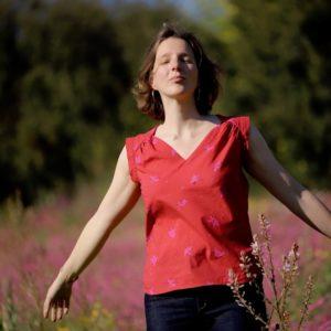 tissu bio popeline coton fleur Mars-ELLE GOTS coton biologique couture durable écologique motif imprimé fleur bordeaux rouge rose