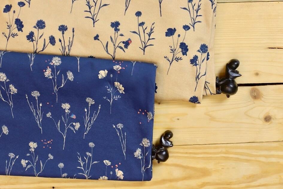 jersey imprimé coton Tissu bio GOTS fleur bleu marine et camelMars-ELLE