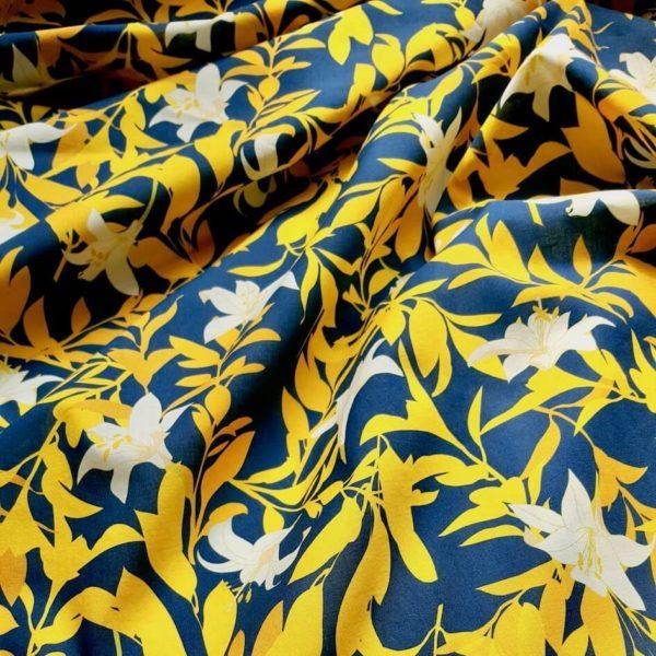 motif imprimé jaune et bleu